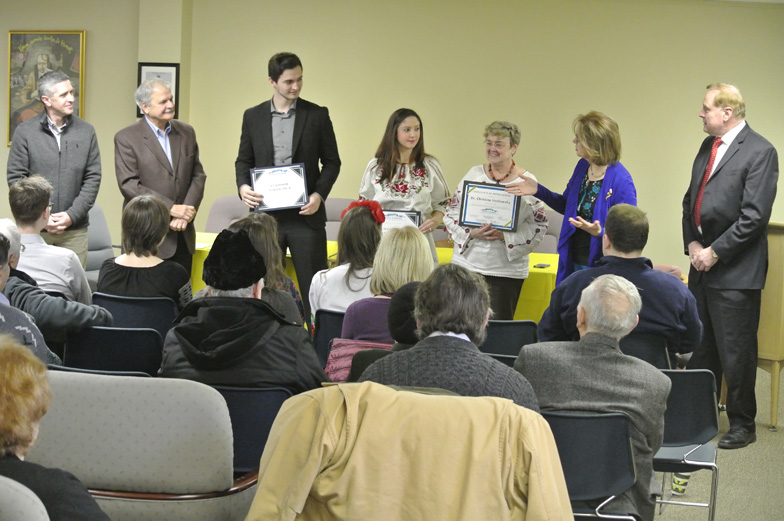 Presentation of awards to students and RUG President