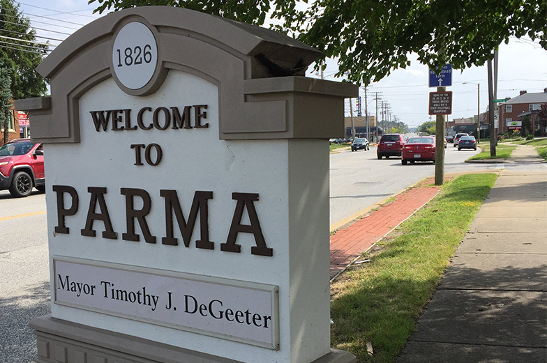 Parma town sign