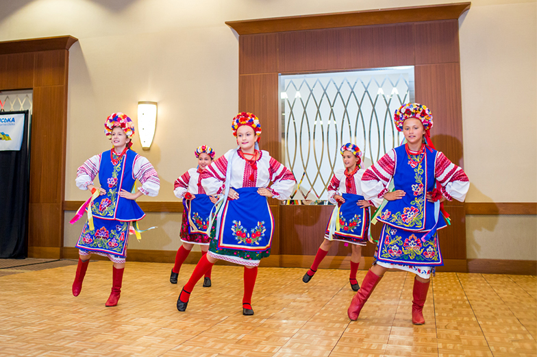 Youth Ukrainian dancers performing